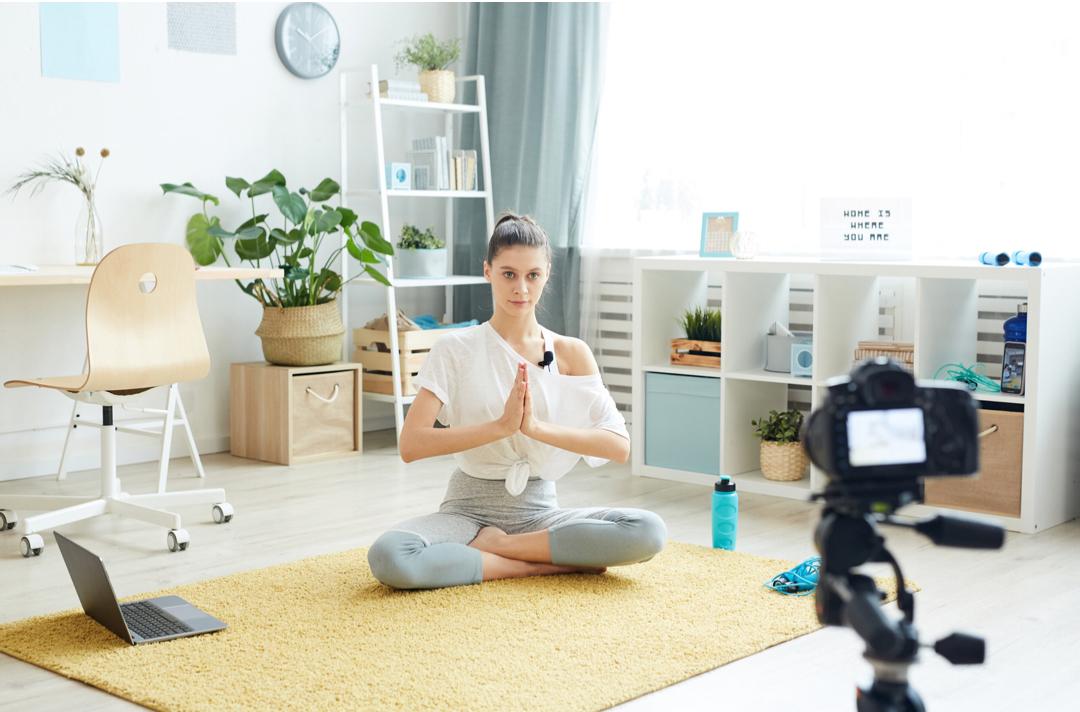 Cours en ligne yoga pornic yogawithastrid